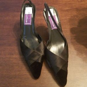 Phyllis Poland Black heel